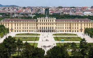 Знаменитый дворцово-парковый ансамбль Шёнбрунн в Вене