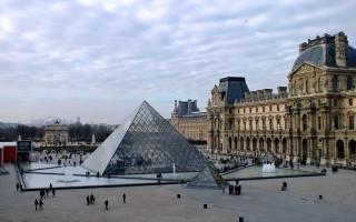 Обзор Лувра как главного музея Парижа