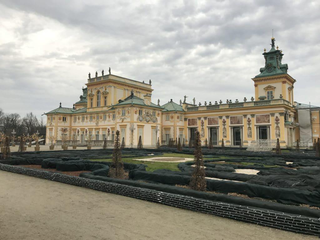 Дворец Вилянув с парка