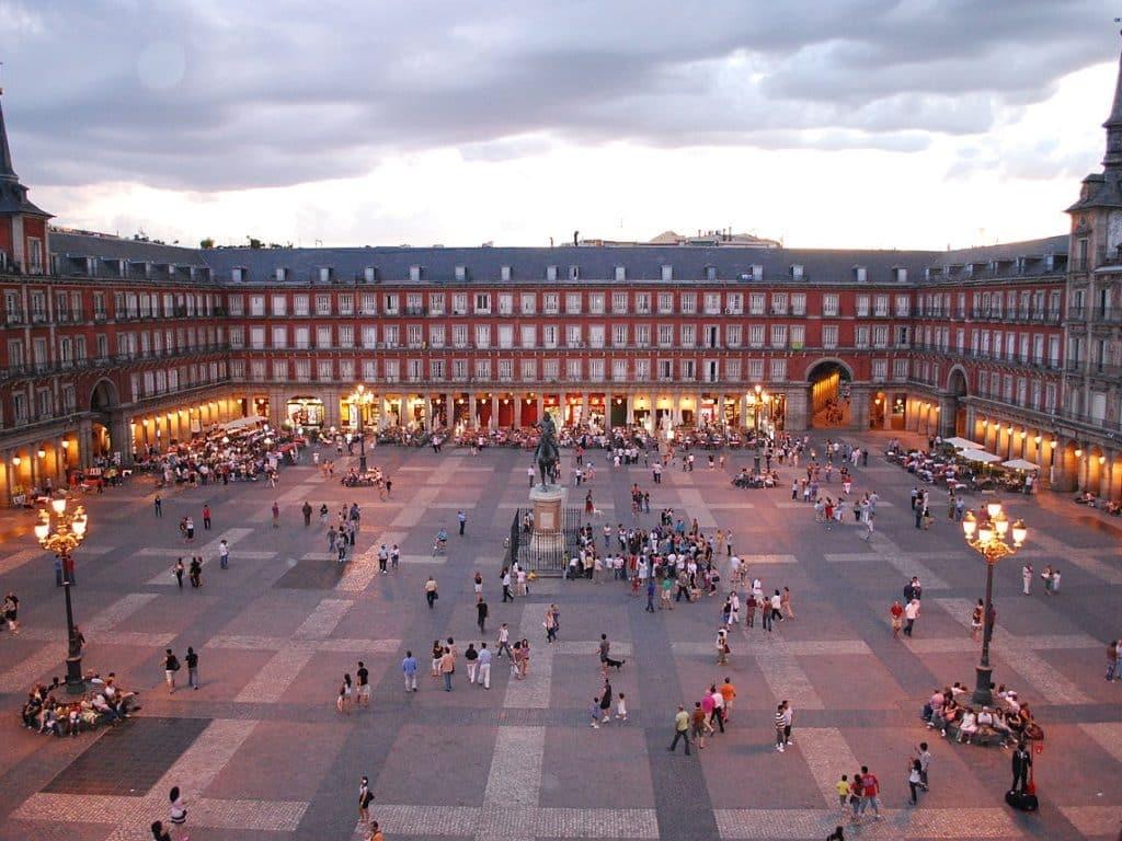 Площадь Mayor