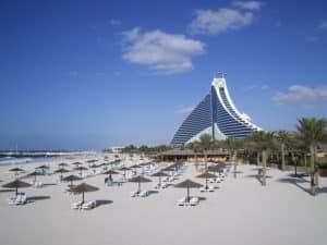 Джумерайя Бич или JBR – находится в районе Дубай Марина