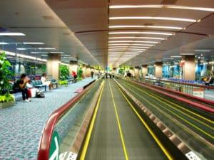 Эскалаторы между терминалами