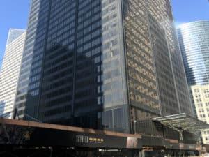 Основу сооружения составляют 114 зарытых бетонных сваи
