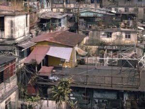 На крышах домов стали возводить новые жилища