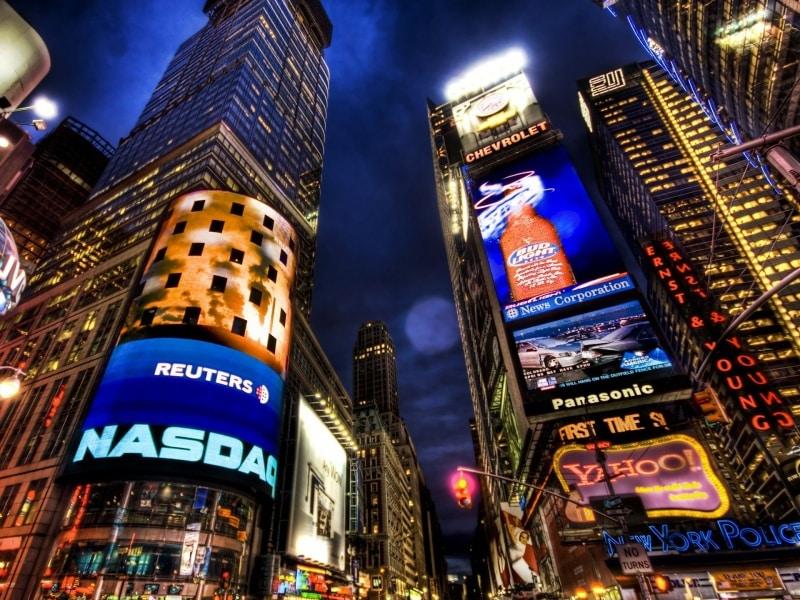 Биржа NASDAQ в виде башни