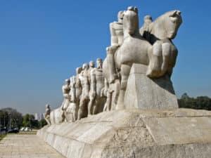 Памятник бандейрантам