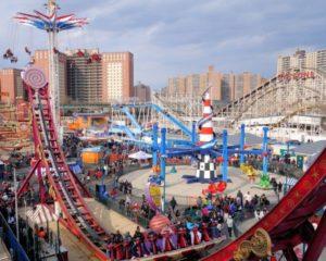 Это самая яркая и посещаемая туристами достопримечательность Coney Island