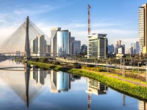 Сан-Паулу вырос из маленькой деревушки в финансовый центр
