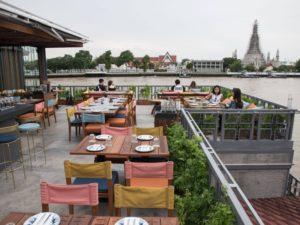Отдых на пристани Tha Tien