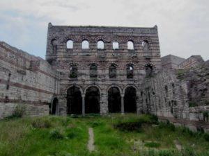 Развалины Малого Влахернского дворца